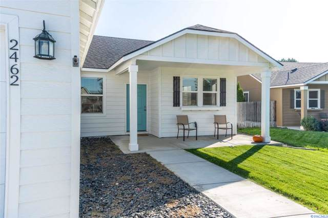 2462 Hickory Ave, West Richland, WA 99353 (MLS #241061) :: Community Real Estate Group