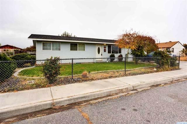 1306 S Cedar St., Kennewick, WA 99336 (MLS #241452) :: Dallas Green Team