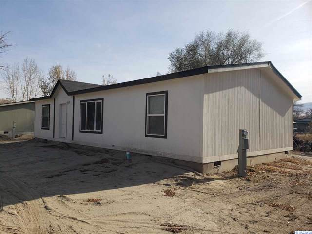 211 Babs Ave, Benton City, WA 99320 (MLS #241670) :: Columbia Basin Home Group