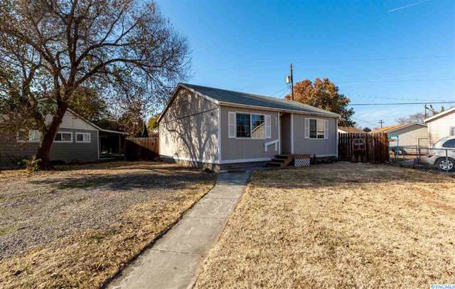 907 Winslow Ave, Richland, WA 99352 (MLS #241823) :: The Phipps Team