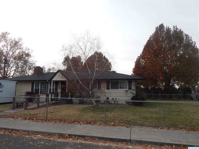 1720 N 19th Ave, Pasco, WA 99301 (MLS #241845) :: The Phipps Team