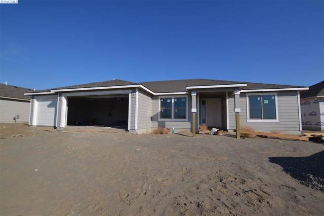7815 Cassiar Dr, Pasco, WA 99301 (MLS #241913) :: The Phipps Team