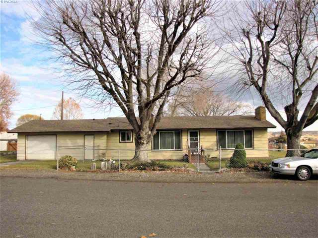 1100 Ione, Benton City, WA 99320 (MLS #242045) :: The Lalka Group
