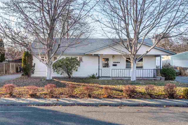 1203 Wright Avenue, Richland, WA 99352 (MLS #242068) :: Beasley Realty