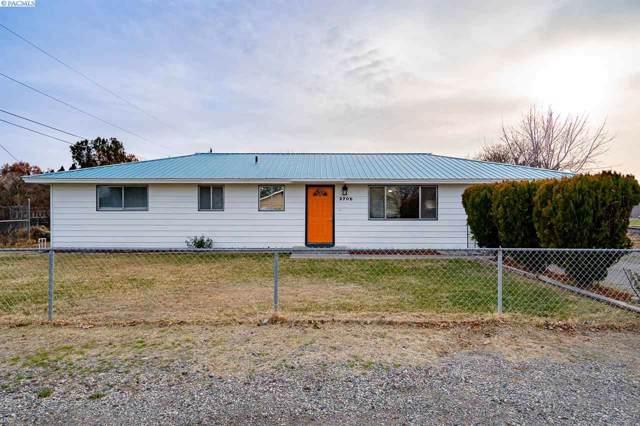 3705 W 2nd Ave, Kennewick, WA 99336 (MLS #242317) :: Community Real Estate Group