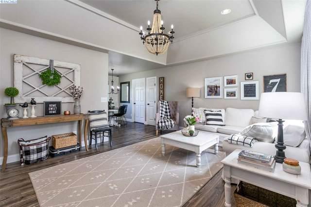 3111 S Newport Street, Kennewick, WA 99337 (MLS #242511) :: Columbia Basin Home Group