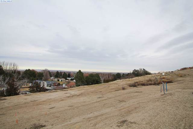 4414 King Drive, West Richland, WA 99353 (MLS #242695) :: Community Real Estate Group