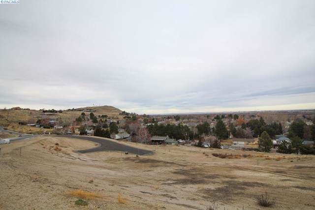 4352 King Drive, West Richland, WA 99353 (MLS #242697) :: Community Real Estate Group