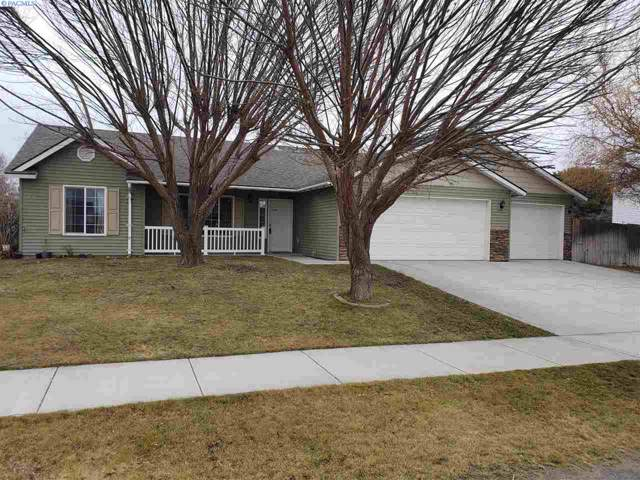 3941 Prairie Ln, Pasco, WA 99301 (MLS #242873) :: Dallas Green Team