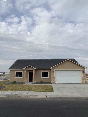 1813 W Spokane, Pasco, WA 99301 (MLS #242899) :: Dallas Green Team