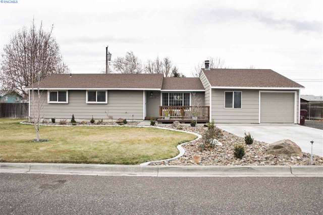 1707 S Tacoma St, Kennewick, WA 99337 (MLS #242987) :: Dallas Green Team