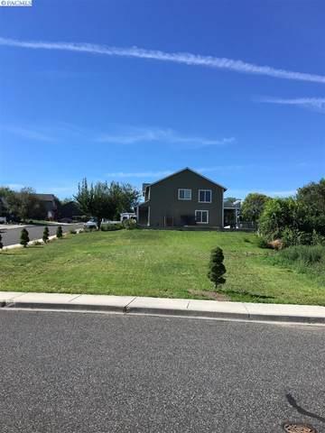5204 S Auburn Place, Kennewick, WA 99337 (MLS #243419) :: Community Real Estate Group