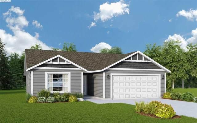 4815 Corinth Drive, Pasco, WA 99301 (MLS #243564) :: Community Real Estate Group