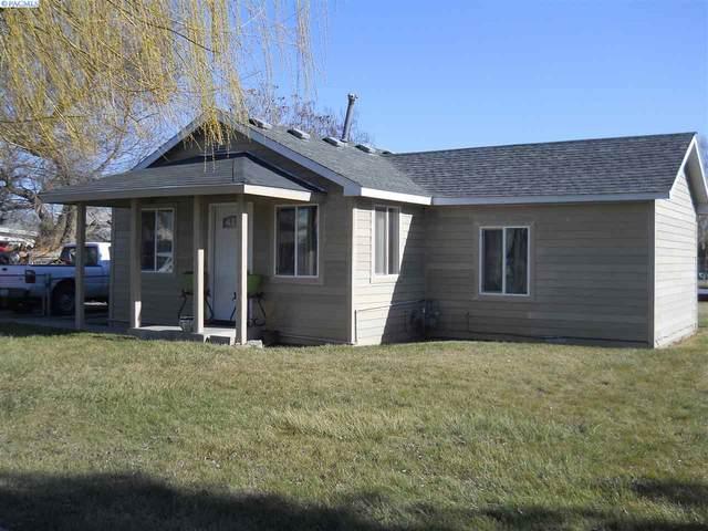 1218 S 13th Street, Sunnyside, WA 98944 (MLS #243649) :: Community Real Estate Group