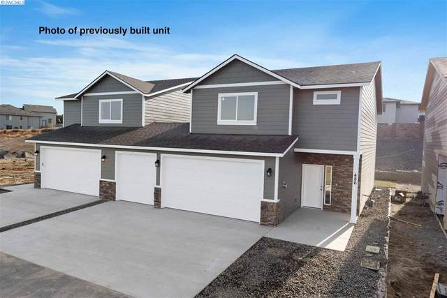 550 Bedrock Loop, West Richland, WA 99353 (MLS #243866) :: Dallas Green Team