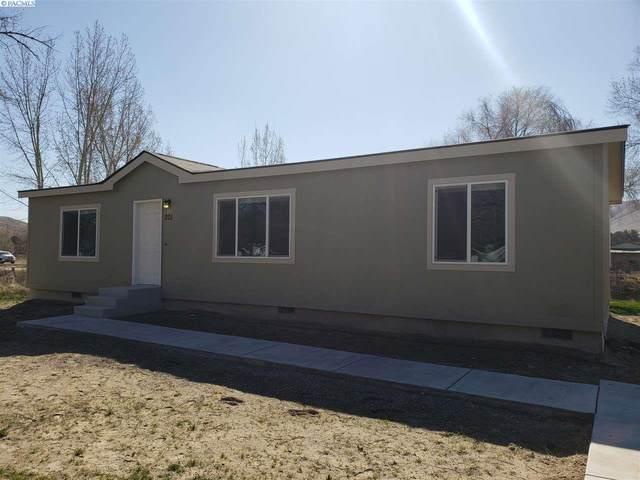 201 Babs Ave, Benton City, WA 99320 (MLS #244567) :: Tri-Cities Life