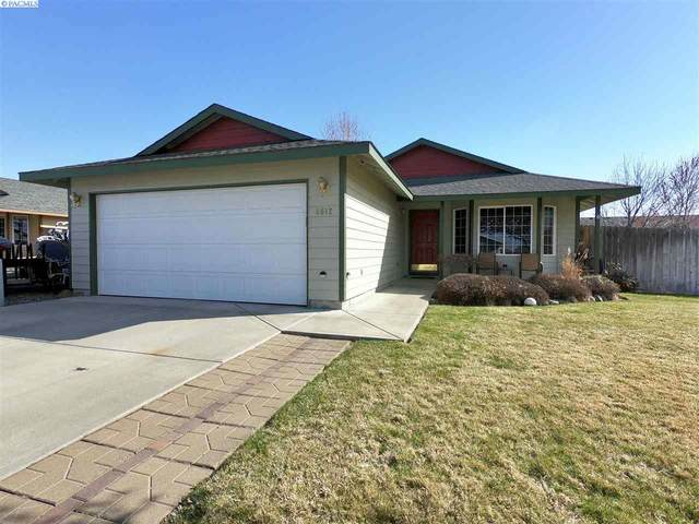 8612 Packard Dr, Pasco, WA 99301 (MLS #244734) :: The Phipps Team
