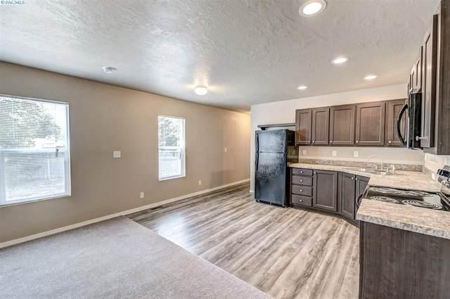 203106 E Bowles Rd #17, Kennewick, WA 99337 (MLS #244889) :: Story Real Estate