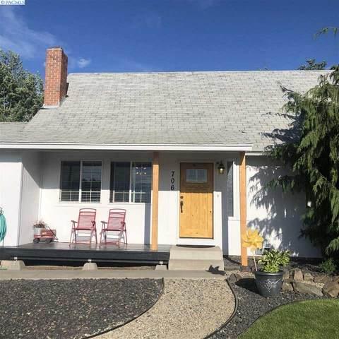 706 Buena Vista Ave, Sunnyside, WA 98944 (MLS #245700) :: Community Real Estate Group