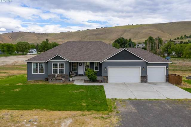 27905 S 932 PRSE, Kennewick, WA 99338 (MLS #245766) :: Premier Solutions Realty