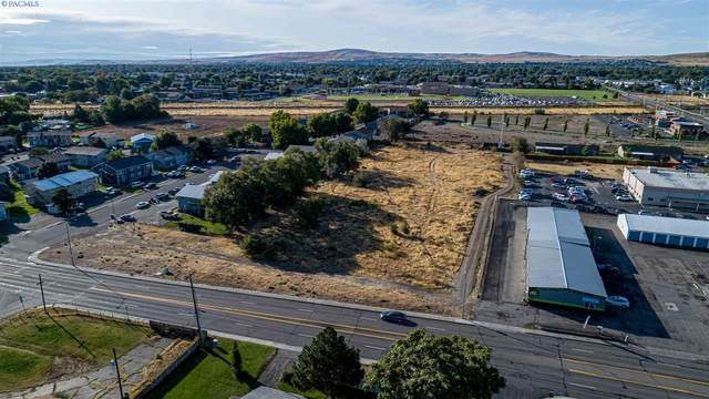 5121 W Canal Dr, Kennewick, WA 99336 (MLS #245887) :: Community Real Estate Group
