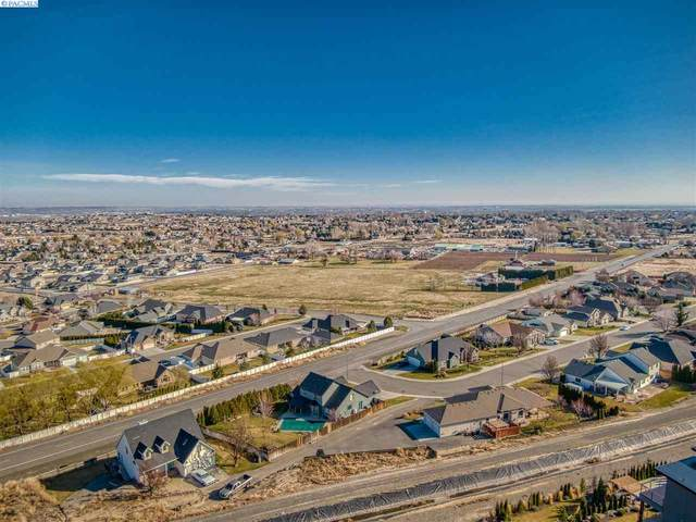 5320 Hershey Ln, West Richland, WA 99353 (MLS #245899) :: Community Real Estate Group