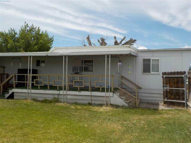 945 Empire Drive, Pasco, WA 99301 (MLS #246104) :: Tri-Cities Life