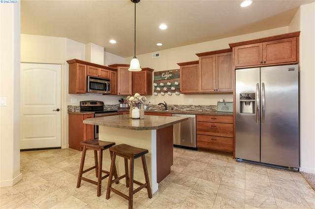 2736 S Dennis Place, Kennewick, WA 99337 (MLS #246615) :: Story Real Estate