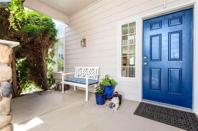 2519 W 35TH, Kennewick, WA 99337 (MLS #246640) :: Story Real Estate