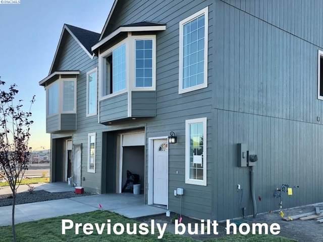 1805 E Highland St, Pasco, WA 99301 (MLS #247230) :: Columbia Basin Home Group