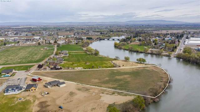 723 SW Pr 1366, Prosser, WA 99350 (MLS #247461) :: Community Real Estate Group
