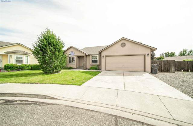 112 S Wilson Ct, Kennewick, WA 99336 (MLS #247545) :: Dallas Green Team