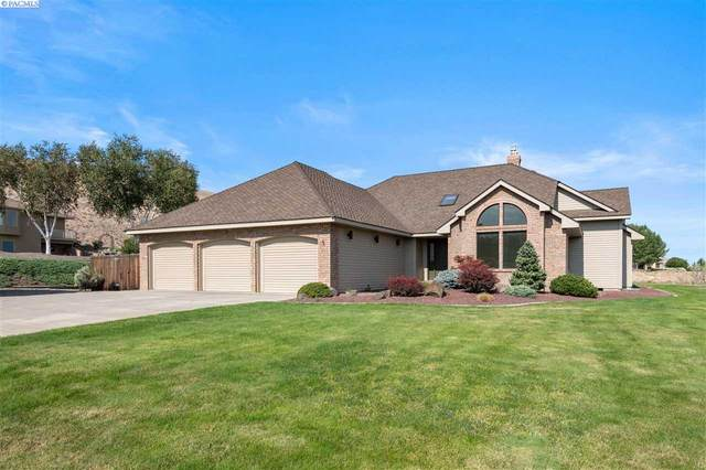 1201 Bridle Drive, Richland, WA 99352 (MLS #247623) :: Dallas Green Team