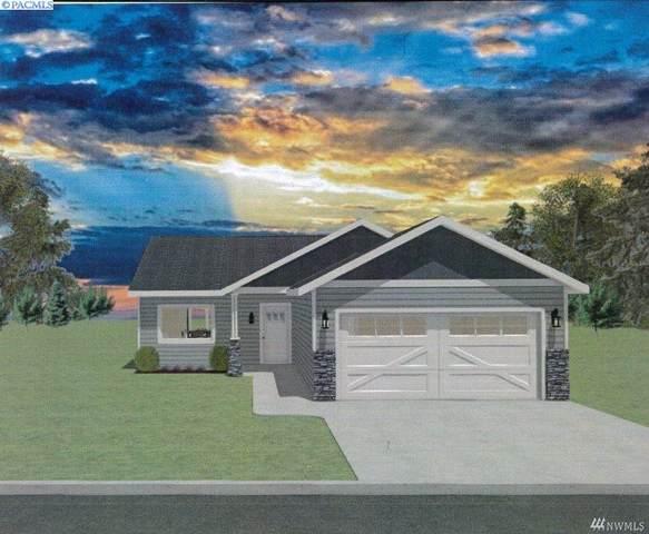 304 S Oak St, Warden, WA 98857 (MLS #247820) :: Tri-Cities Life
