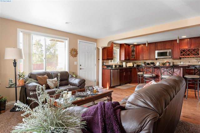 526 S 40th Ave, West Richland, WA 99353 (MLS #247882) :: Cramer Real Estate Group