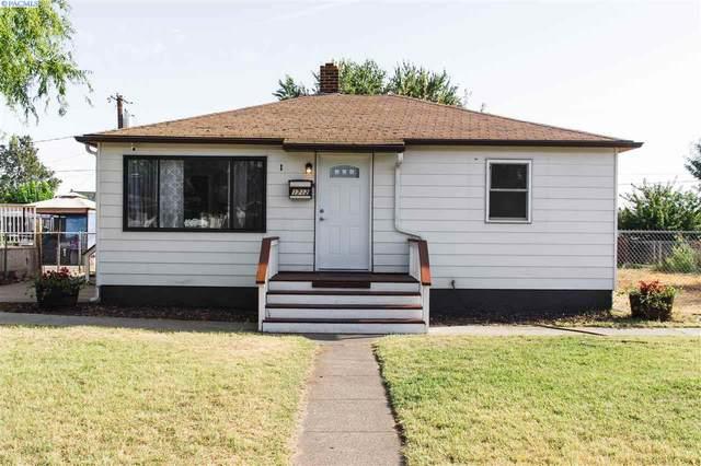 1712 W Shoshone, Pasco, WA 99330 (MLS #248492) :: Cramer Real Estate Group