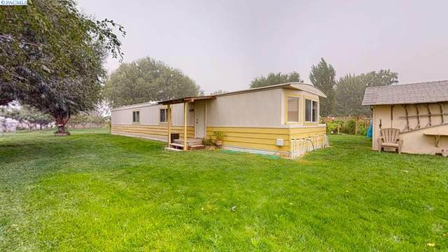 2702 W Sandy Lane, Benton City, WA 99320 (MLS #248703) :: Premier Solutions Realty