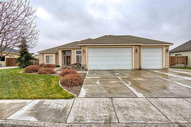 8711 W Clearwater Pl, Kennewick, WA 99336 (MLS #250229) :: Story Real Estate