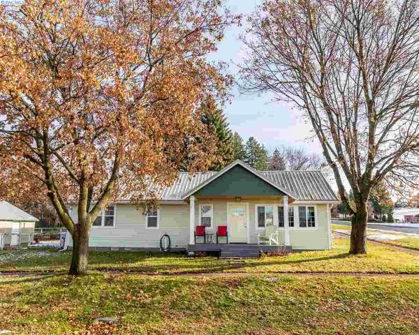 300 E Union St, Palouse, WA 99161 (MLS #250260) :: Community Real Estate Group