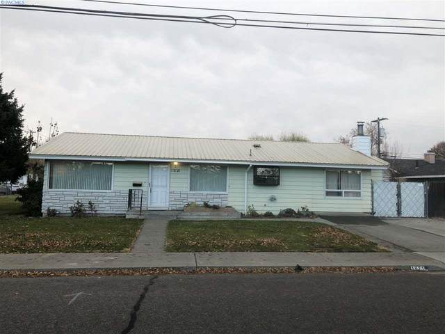 1821 N 14th Ave, Pasco, WA 99301 (MLS #250285) :: Dallas Green Team