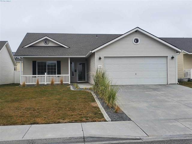 7819 Deschutes Dr, Pasco, WA 99301 (MLS #250917) :: Dallas Green Team