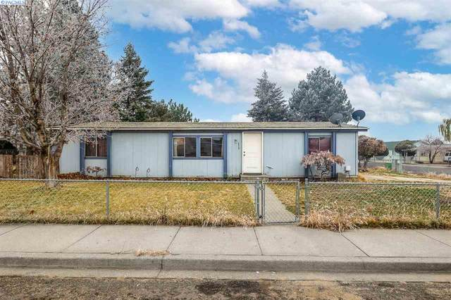 439 N Sycamore, Pasco, WA 99301 (MLS #251131) :: Dallas Green Team