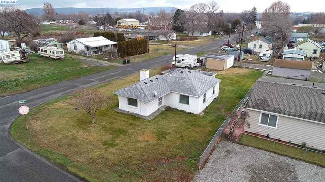 610 W 12th St, Benton City, WA 99320 (MLS #251188) :: Premier Solutions Realty