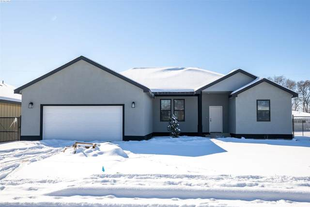 1003 Jefferson Ave, Toppenish, WA 98948 (MLS #251739) :: Columbia Basin Home Group