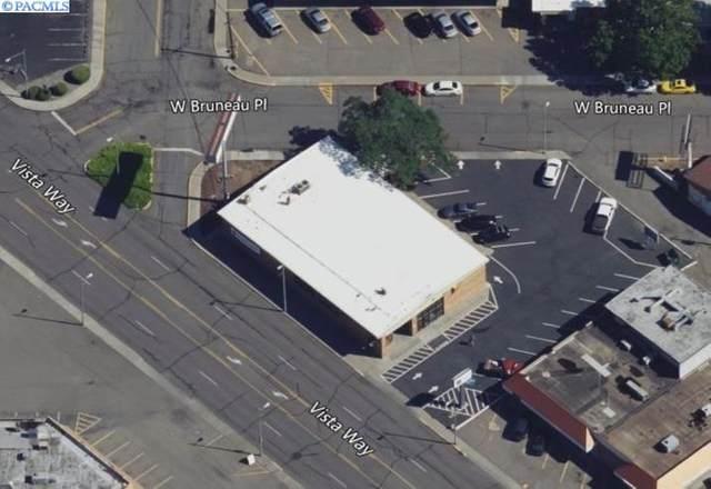 138 Vista Way, Kennewick, WA 99336 (MLS #251796) :: Dallas Green Team