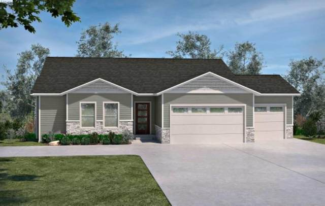 1963 W 39th Avenue, Kennewick, WA 99337 (MLS #252096) :: Dallas Green Team
