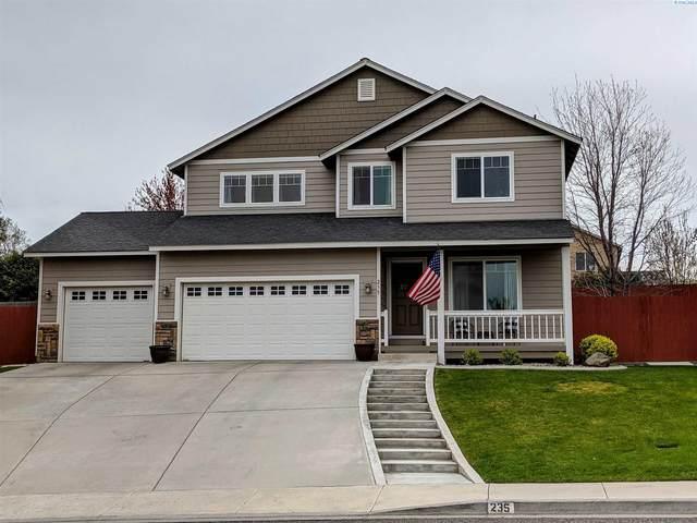235 W 52nd, Kennewick, WA 99338 (MLS #253172) :: Story Real Estate
