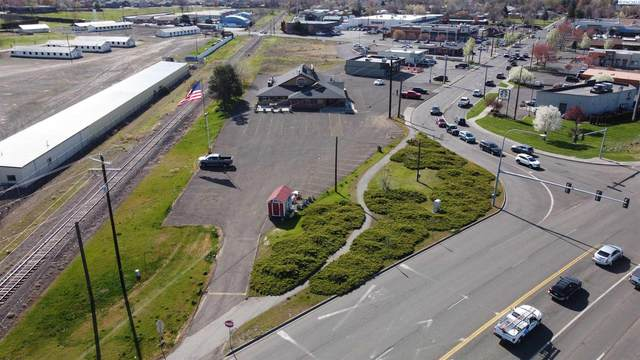 1415 Plaza Way, Walla Walla, WA 99362 (MLS #253447) :: Columbia Basin Home Group
