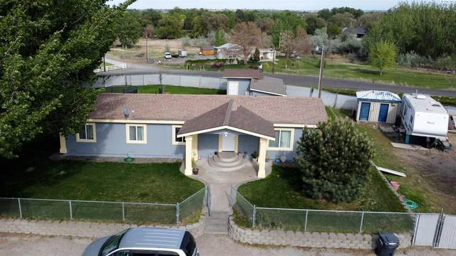 2100 N Harrington Rd, West Richland, WA 99353 (MLS #253594) :: Tri-Cities Life