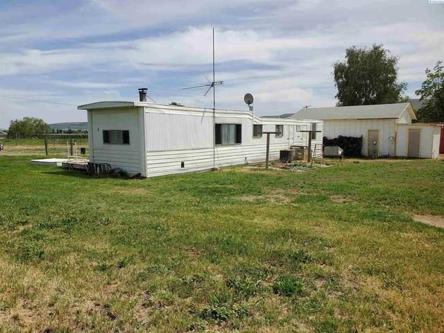 48404 N 108 PR NW, Benton City, WA 99320 (MLS #253754) :: Beasley Realty